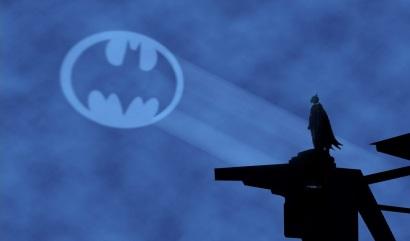 Batman_calls_13052013